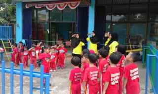 Upacara Bendera a la Creative Land Preschool